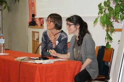 Laurence, secrétaire générale dialogue avec Sophie, notre nouvelle secrétaire opérationnelle.