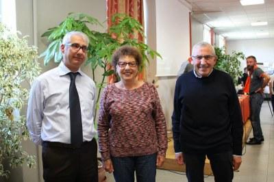 Gilbert Claret transmet la présidence à Yves Beauchamp, sous le regard de Minnie Galozzi.