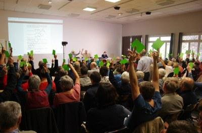 37 - Reprise du travail dimanche matin, avec le vote des différentes résolutions