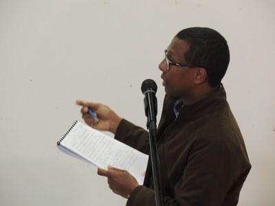 39 - Solidarité Internationale : intervention remarquable de Fanja Ranaivon, Directeur de Koloaïna (Madagascar), qui accompagne les familles dans de nombreuses actions de développement