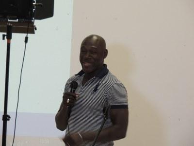 40 - Et intervention émouvante de Cherif Makhfou NDIAYE , Directeur Afrique de Village Pilote, nouveau partenaire des AEM au Sénégal qui prend en charge des enfants des rues à Dakar et les aide à renouer avec leurs familles