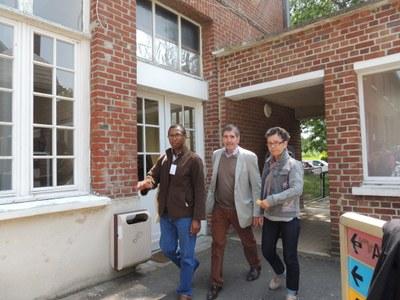 51 - L'équipe Madagascar accompagne Fanja Ranaivon, Directeur de Koloaina