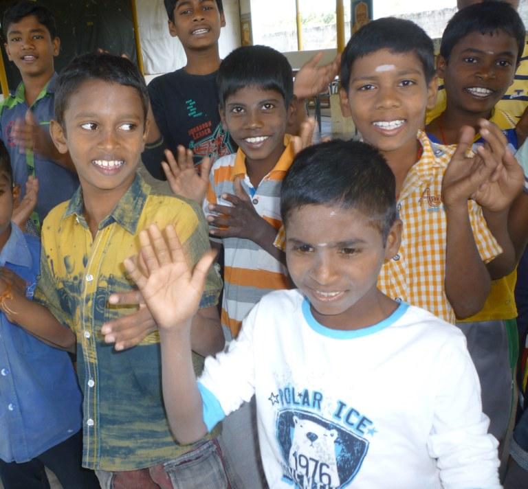 grace-a-nos-fideles-parrains-et-donateurs-les-enfants-se-construisent-un-avenir-et-gardent-le-sourire